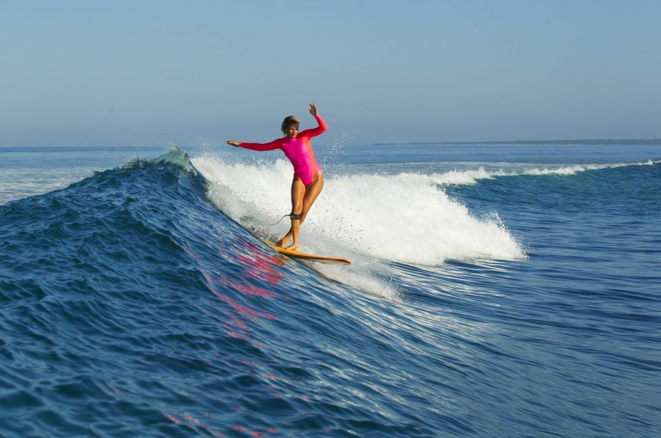 The 5 Topmost Surf Essentials for Solo Women Surfers