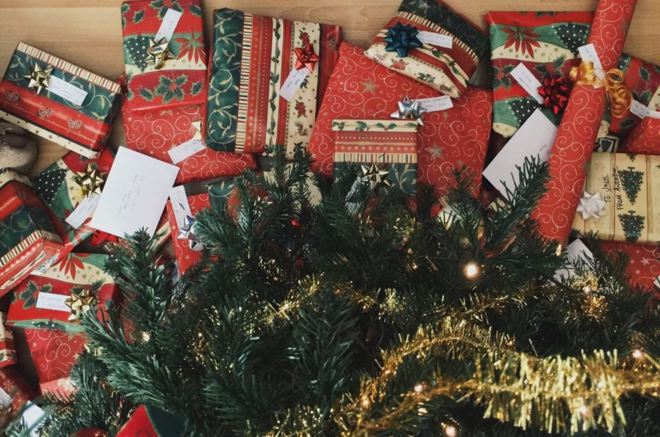 How to Use 4 Gift Rule For A Decluttered Christmas