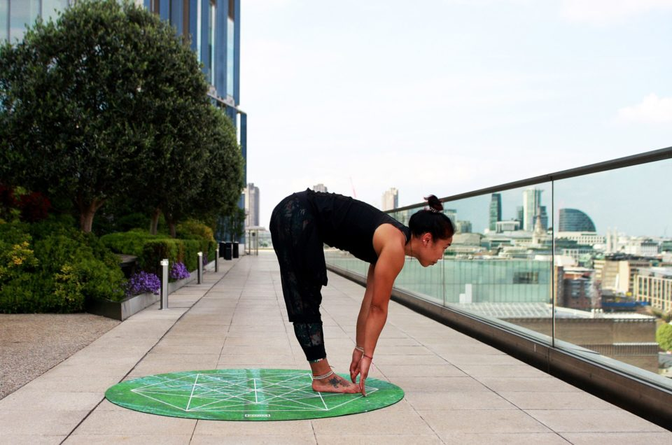 How To Lead A Healthy Lifestyle Through Yoga